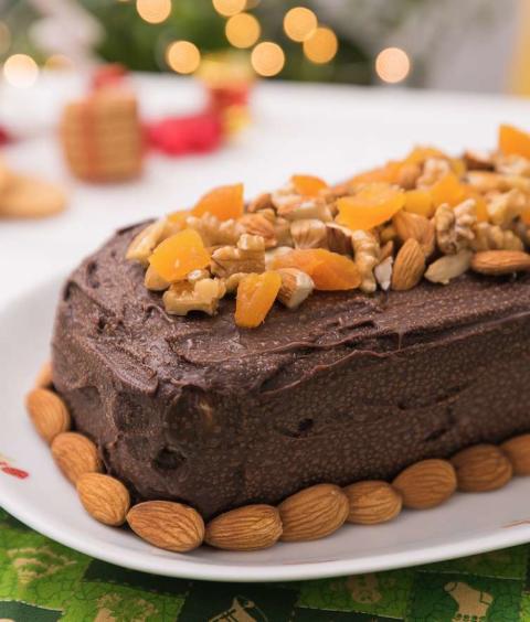 Torta Gelada de Biscoito, Castanha e Frutas Secas