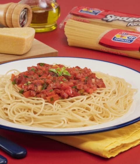 Ragu de Linguiça com Espaguete Fortaleza